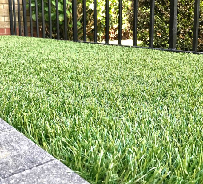 artificial-grass-fitting-hampshire