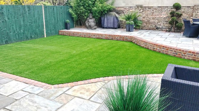 artificial-grass-installation-hampshire